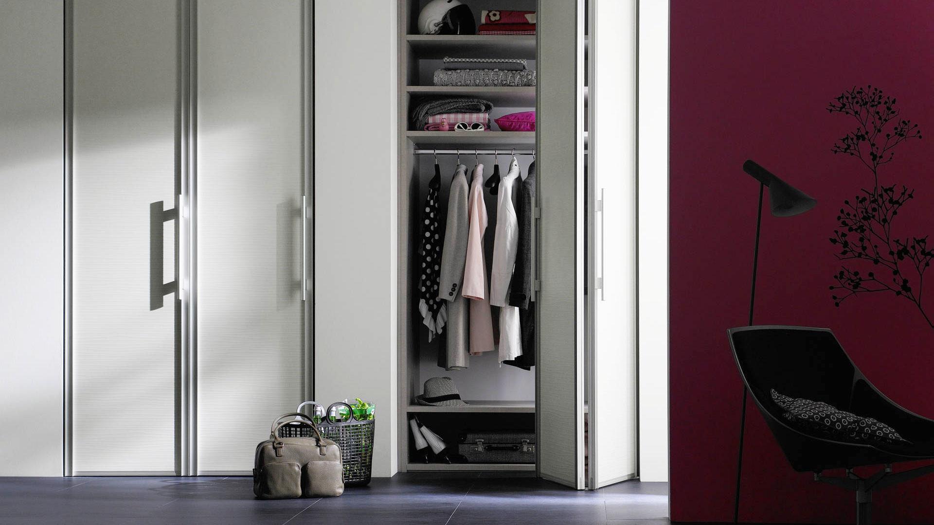 Hinge and folding doors | RIPO.LV